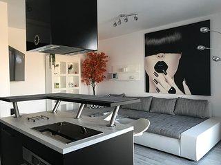 Luxury Penthouse Plaza Residence P1