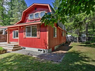 NEW! Cozy Ashford Home- 5 Mi to Rainier Nat'l Park