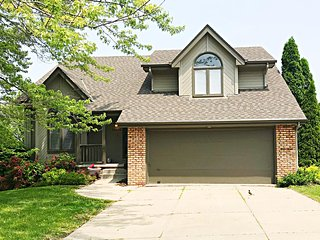 Spacious West Omaha Remodeled Beauty!