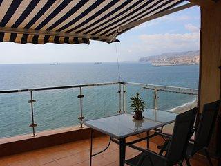 Extraordinario ático en primera linea de playa con impresionantes vistas al mar