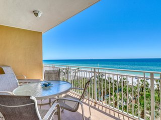 Beautiful beachfront condo w/ a shared hot tub, pool & fitness center!