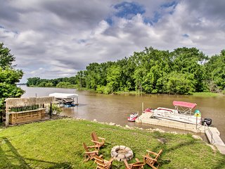 NEW! Private Waterfront Mississippi River Home!
