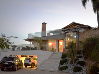 Casa Bellavista Itaipava, 4 suites, completa e moderna, piscina, area gourmet, s