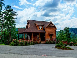 A View To Remember - 4 Bedrooms, 4 Baths, Sleeps 13