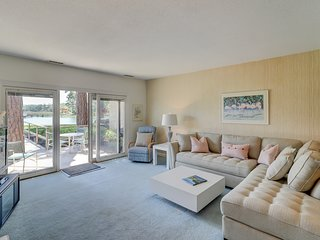 Tri-level townhome with beautiful water views, shared pool - walk to the beach!