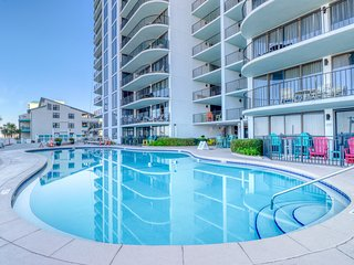 Beachfront condo w/ a shared, outdoor pool, hot tub, fitness room, & tennis!