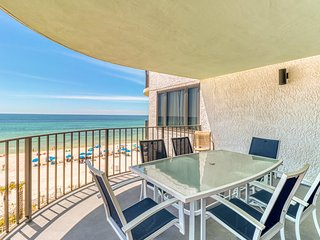 Pool, hot tub, tennis & beach access - private balcony w/ views!