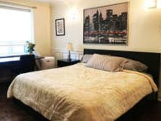 Clean Modern Decorated Studio in Downtown Toronto 302