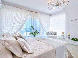 ktima reveli white suite (2persons)