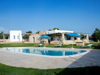 Prestige pool trullo