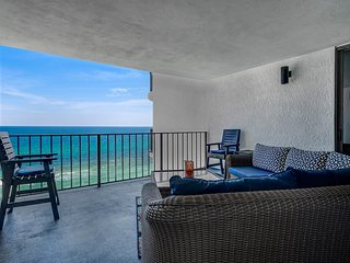 Watercrest 1106, 2BR/2BA, 2 FREE Beach Chairs & Umbrella, Sleeps 8, Beach Front!