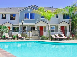 NEW LISTING! Dog-friendly townhouse w/ a shared pool & hot tub - close to beach!