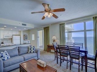 Gulf front condo w/shared on-site resort amenities, near the beach & restaurants