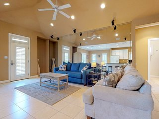 Beautifully decorated home w/ screened porch & shared pool - walk to beach!