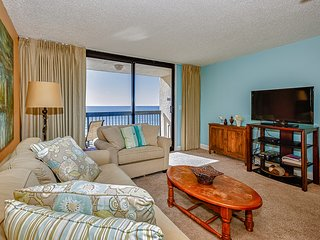 One bedroom condo close to beach w/ocean views and private balcony