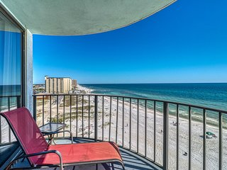 Condo right on the beach! Pool, tennis, hot tub & private balcony!