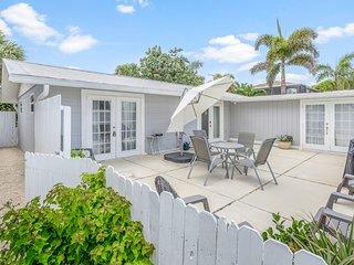 Cozy beach cottage w/ an enclosed yard & a spacious patio - dog-friendly!