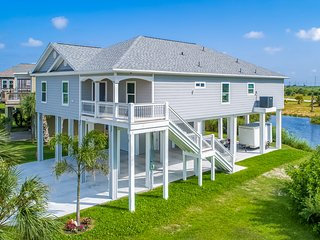 Spacious, dog-friendly beach house w/ a furnished balcony, patio, & views