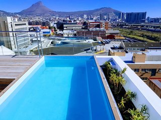 C504 . New 5*Apartment in Artistic Area with Gym & Pool