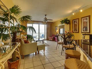Amazing gulf view from this cozy condo with access to shared pool and amenities.