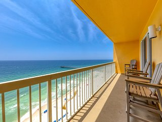 Family-friendly gulf front condo w/shared pools, Tiki bar, gym - near the beach!