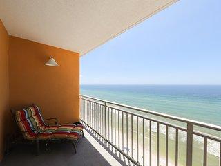 Beachfront oasis at Splash Resort w/kid-friendly pools, waterpark & beach access