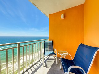 Gulf-front condo w/ beach access, outdoor pool, hot tub, lazy river & waterpark!