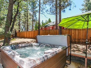Diamond Houzz Ultra Relaxing 3BR Retreat / Hot Tub / Fox Farm Location