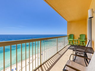 Prime beachfront condo w/Gulf views, shared pools, gym - walk to the beach!
