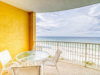 Beach front condo with sauna, Indoor/outdoor pool & spa!