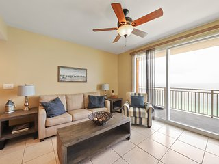 Gulf-front resort condo w/ beach view, balcony & shared pools/hot tub/lazy river