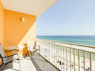 Stylish Gulf-front condo steps from the beach w/ resort pool, hot tub & gym!