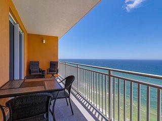 Gulf-front resort condo w/ balcony, seasonal beach service & pools/hot tub/gym!
