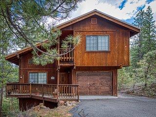 Spacious mountain home near skiing, hiking, & biking w/ great views!