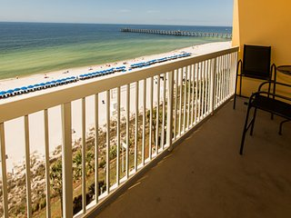 Beachfront condo w/ Gulf view, shared pool & gym - steps to Pier Park!