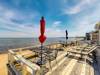 Oceanfront home w/ deck, beautiful views & beach access - walk to town!