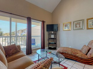Waterfront condo fully furnished w/ a  private balcony & partial bay view