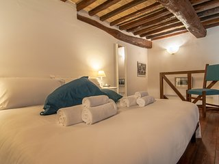 Cozy Loft Vannucci, in the main square of Perugia with a beautiful view