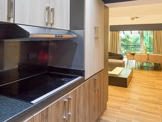 Beautiful modern 2BR apartment with golf view
