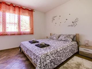 Nice apartment in Pula & Wifi
