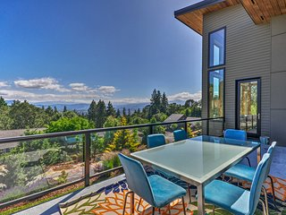 Expansive Modern Home w/ Patio+Mt. Hood Views