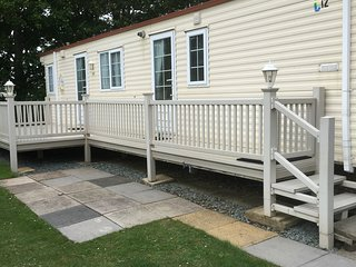 Luxury Summerlands 6 Berth Caravan For Hire