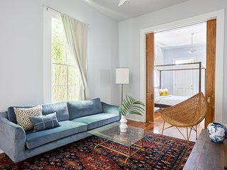 Sonder | Magazine House | Stunning 4BR + Laundry