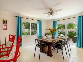 3BR Townhouse w/Pool on Hip Strip, Montego Bay, FREE BEACH access, Sleeps 8