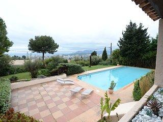 Maison provençale  Vue panoramique mer avec piscine, tennis!