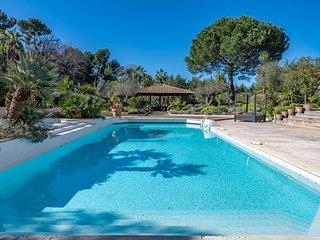Amazing Villa in Mougins  piscine & tennis in Private domaine !!