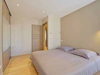 2 bedroom center of Cannes 200m Palais!!!!!
