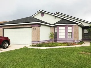 Affordable house in Kissimmee just minutes from Disney World