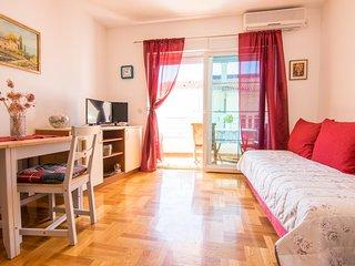 One bedroom apartment Makarska (A-17709-a)
