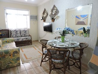Apartamento 33 de 1 dormitorio para 5 pessoas a duas quadras da Praia da Enseada